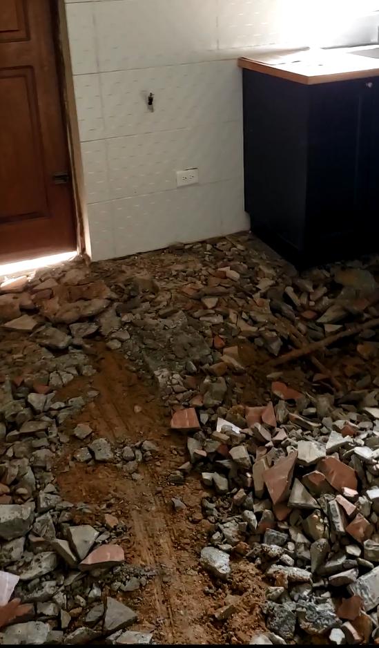 kitchen floor2.PNG
